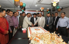 Shafiat Sobhan Sanvir Cut A Cake To Celebrate 4th Anniversary Of Daily Sun