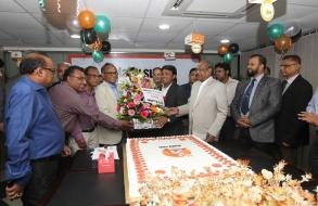 shafiat-sobhan-sanvir-cut-a-cake-to-celebrate-4th-anniversary-of-daily-sun_09